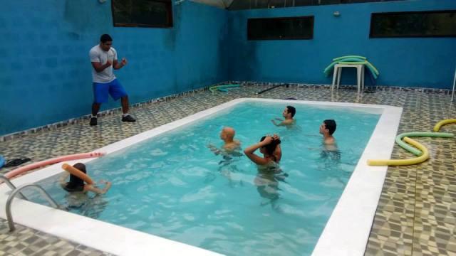 Atividades na piscina aquecida